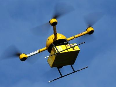 DHL testet die Zustellung von Sendungen mit einem Quadrocopter. Bild: general-anzeiger-bonn.de/dpa