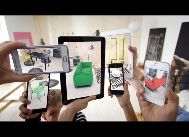 Die wohl bekannteste Anwendung von Metaios AR-Technik ist die virtuelle Erweiterung des Ikae-Print-Katalogs zur Darstellung von Möbeln in der eigenen Wohnumgebung.