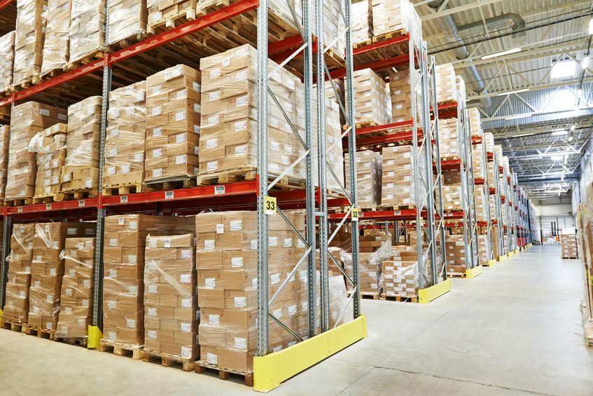 Wer Dropshipping-Services nutzt, spart nicht nur Lagerfläche sondern durch Waren gebundenes Kapital. (Bildquelle: Dmitry Kalinovsky ©123rf.com)