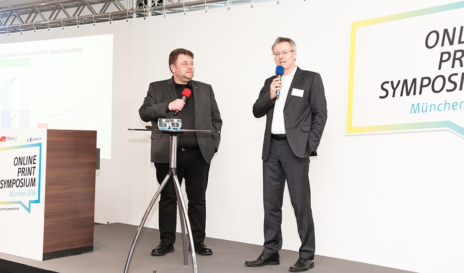 """""""Was haben wir gelernt?"""" Bernd Zipper, zipcon consulting GmbH und Michael Fries, Onlineprinters Holding GmbH stellen sich dieser Frage in der Diskussionsrunde."""
